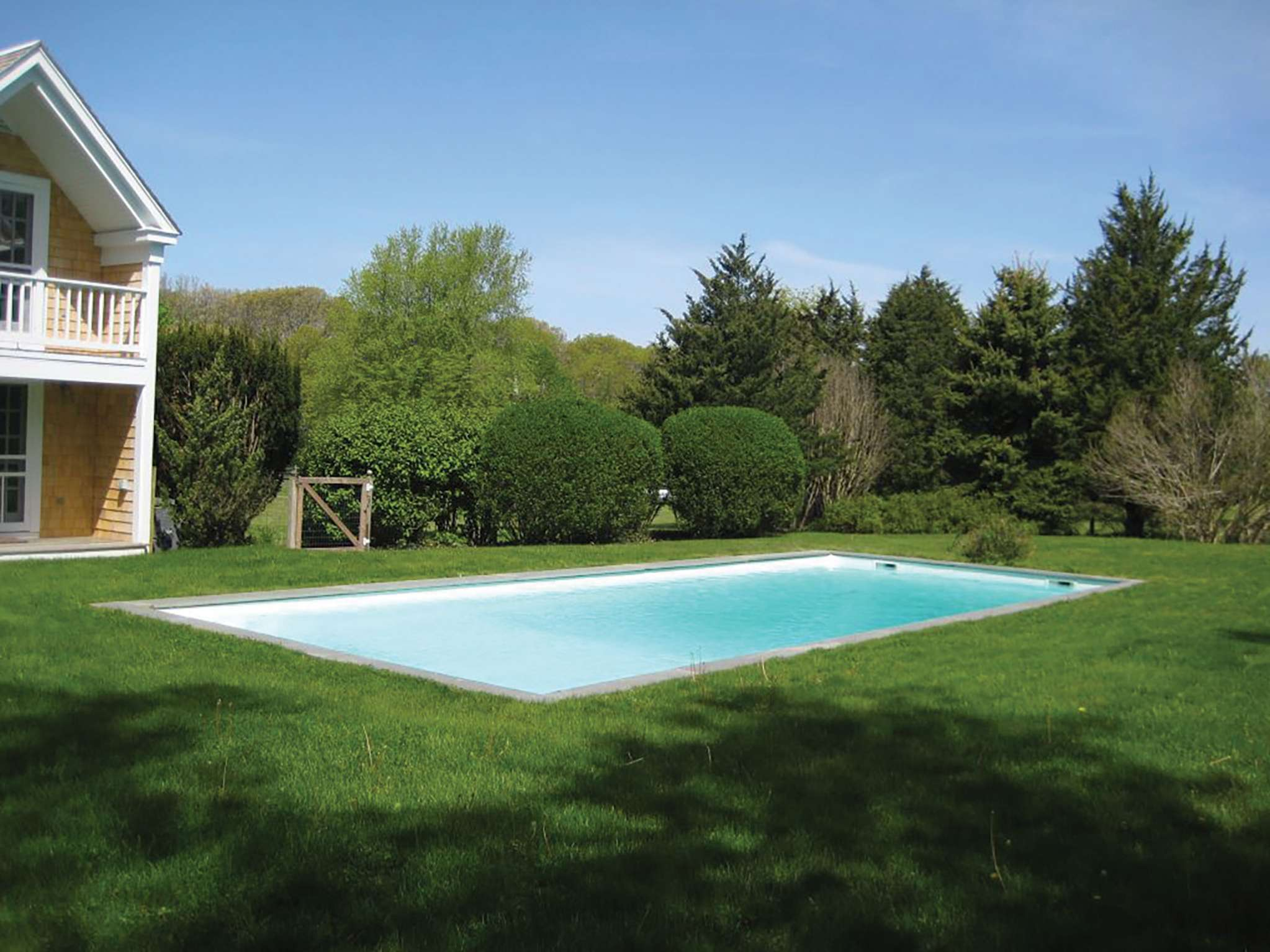Additional photo for property listing at Bright Bridgehampton Traditional  Bridgehampton, Nueva York