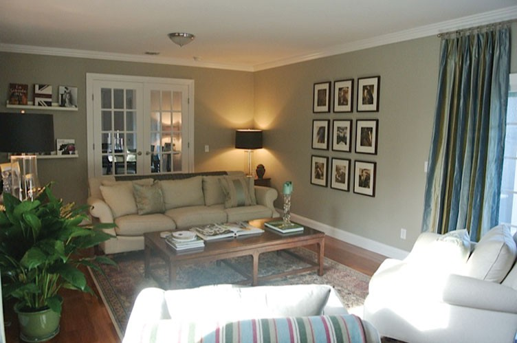 Additional photo for property listing at Sunny Retreat  Southampton, New York