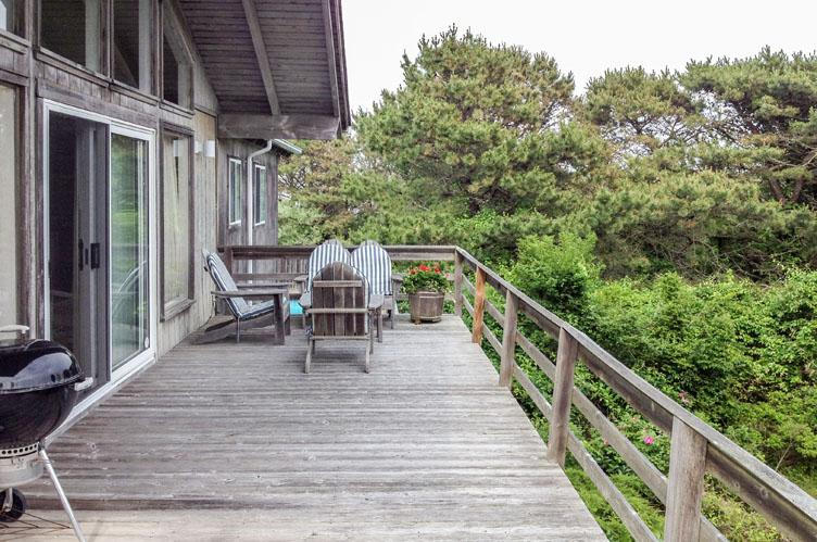 Additional photo for property listing at Listen To The Ocean In Amagansett  Amagansett, New York