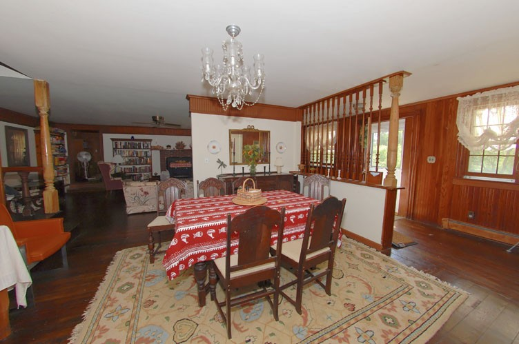 Additional photo for property listing at Historic Shelter Island  Shelter Island, New York