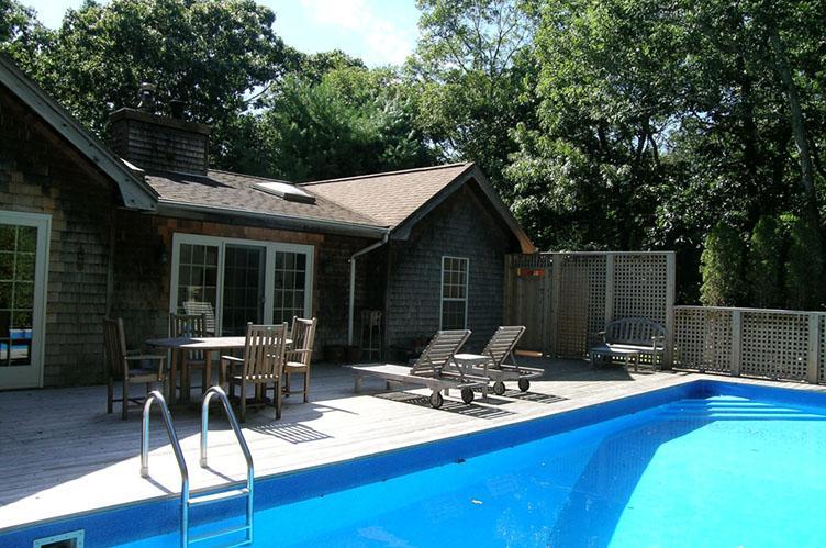 Casa Unifamiliar por un Alquiler en Northwest Post Modern East Hampton, Nueva York