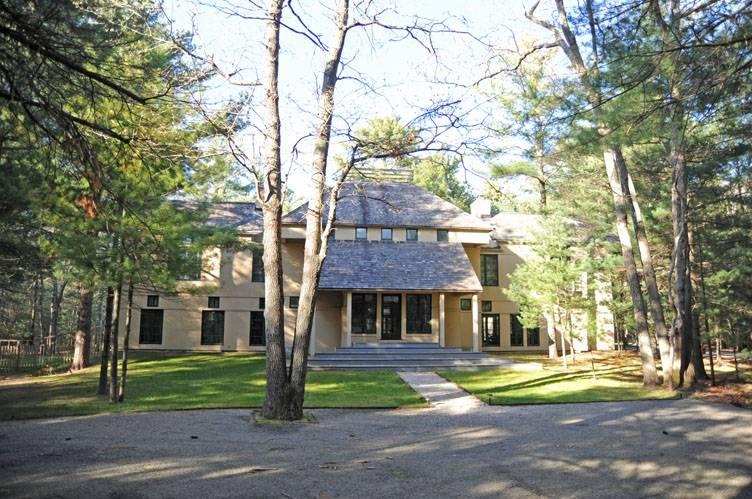 Single Family Home for Sale at East Hampton Traditional East Hampton, New York
