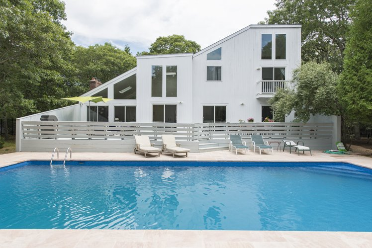Casa Unifamiliar por un Alquiler en East Hampton Contemporary Convenient To Village East Hampton, Nueva York