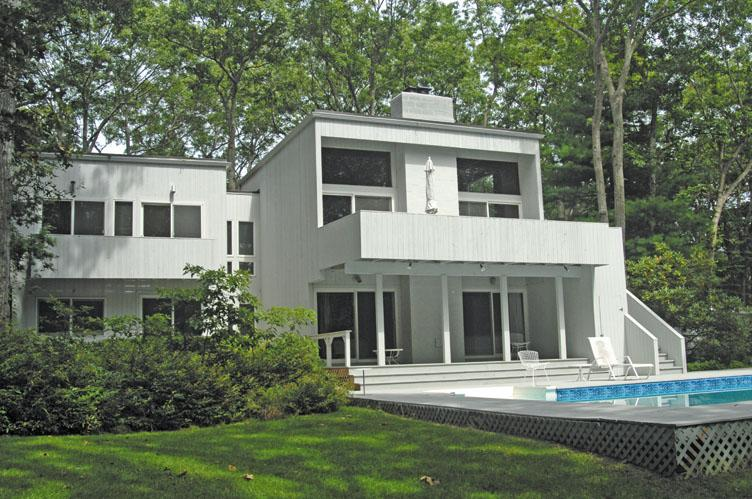 Additional photo for property listing at Bull Path Contemporary  East Hampton, Nueva York