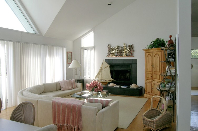 Additional photo for property listing at The Dunes  Amagansett, New York