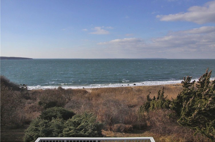 Additional photo for property listing at Amazing Bay Front And Sunset Views In Montauk  蒙托克, 纽约州