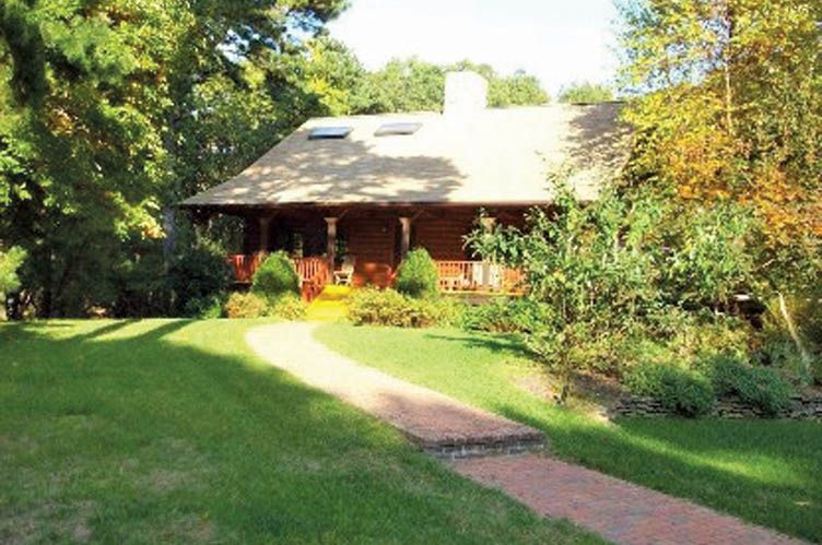 Additional photo for property listing at Post & Beam Rental  East Hampton, New York