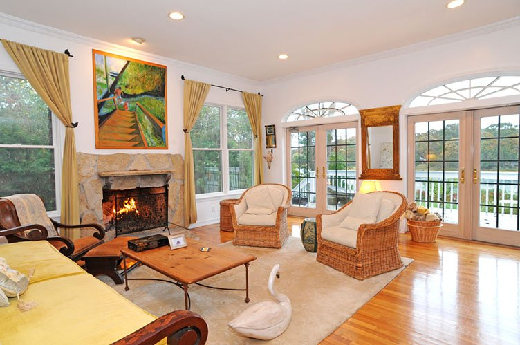Additional photo for property listing at Waterfront Jewel  Sag Harbor, Nueva York