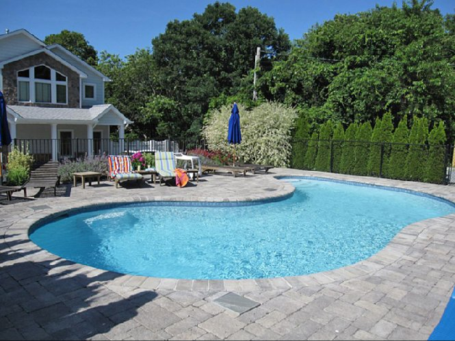 Additional photo for property listing at Bay Front Beauty  Southampton, Nueva York