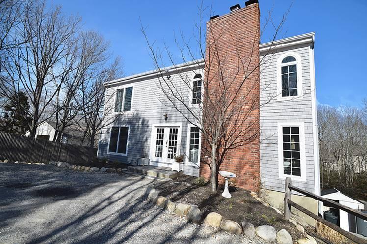 Casa Unifamiliar por un Alquiler en Minutes To Sag Harbor And Bridgehampton Sag Harbor, Nueva York