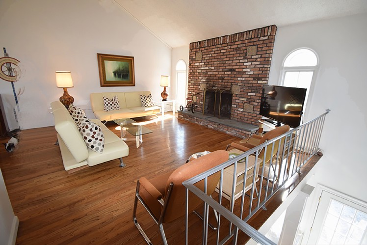 Additional photo for property listing at Minutes To Sag Harbor And Bridgehampton  Sag Harbor, Nueva York