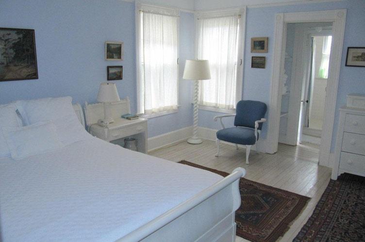Additional photo for property listing at Bridgehampton Village Rental  Bridgehampton, Nueva York