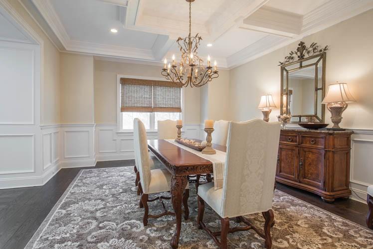 Additional photo for property listing at Beautiful Southampton Hills Traditional  南安普敦, 纽约州