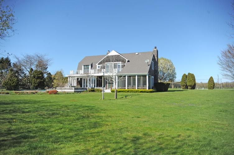 Additional photo for property listing at Fabulous Sagaponack South Near Ocean Beaches  萨加波纳克, 纽约州