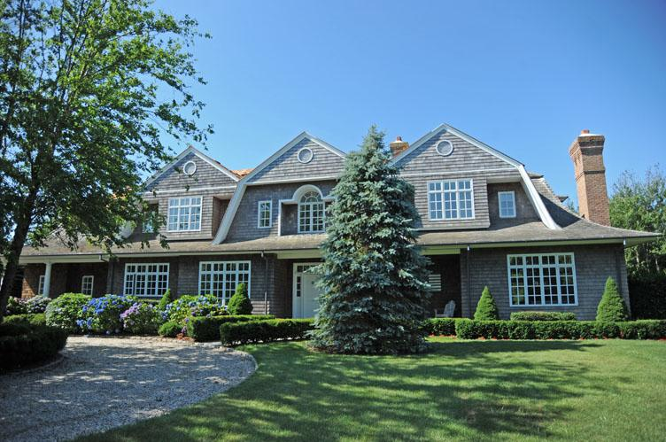 Additional photo for property listing at Bridgehampton South Of The Highway  Bridgehampton, New York