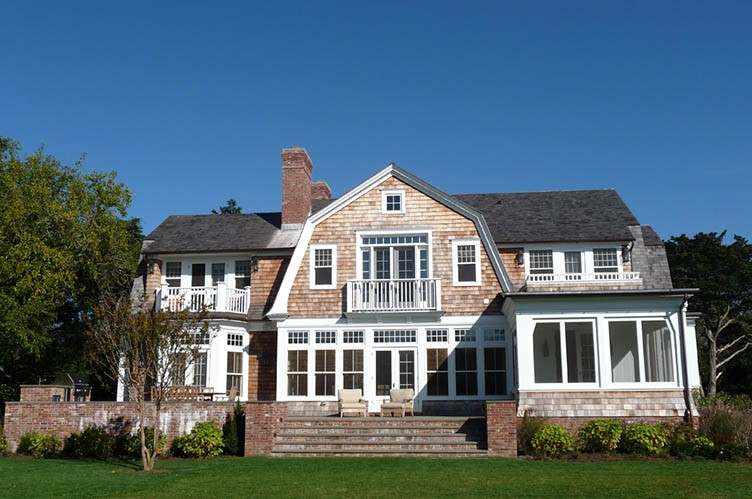 Casa Unifamiliar por un Alquiler en East Hampton South 6 Bedroom Traditional Near Maidstone Club East Hampton, Nueva York