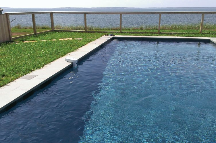 Additional photo for property listing at Bay Front With Pool  Sag Harbor, New York