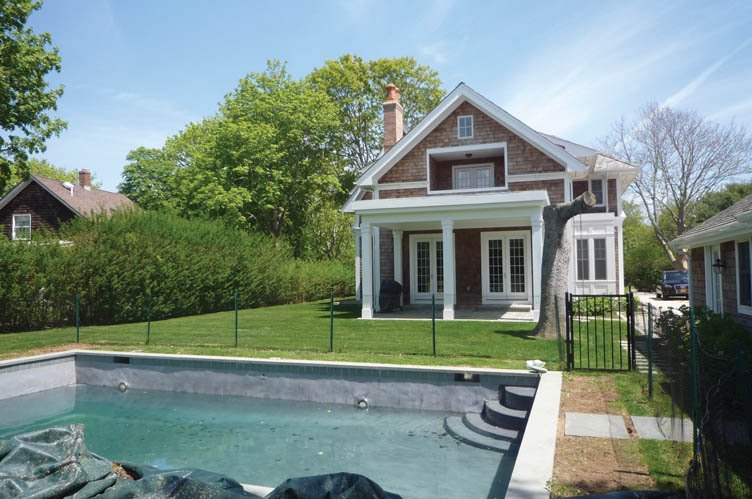 Additional photo for property listing at Great Village Location  Southampton, Nueva York