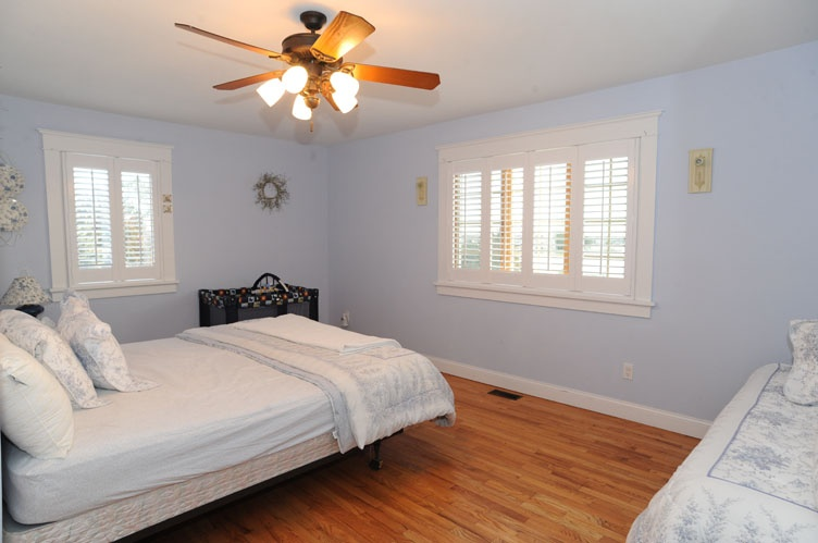 Additional photo for property listing at On The Waterfront  Southampton, Nueva York