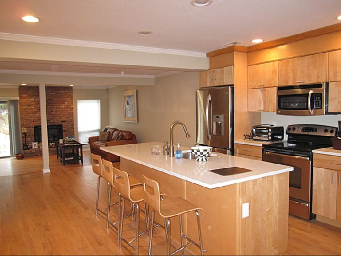 Additional photo for property listing at Southampton Condo Rental  Southampton, New York