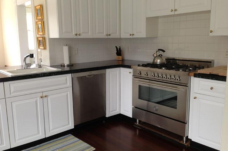 Additional photo for property listing at Southampton Village Traditional  Southampton, Nueva York