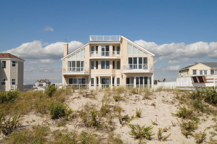 Casa Unifamiliar por un Alquiler en Oceanfront Beauty Winter Available Summer Or Year Round Westhampton Beach, Nueva York