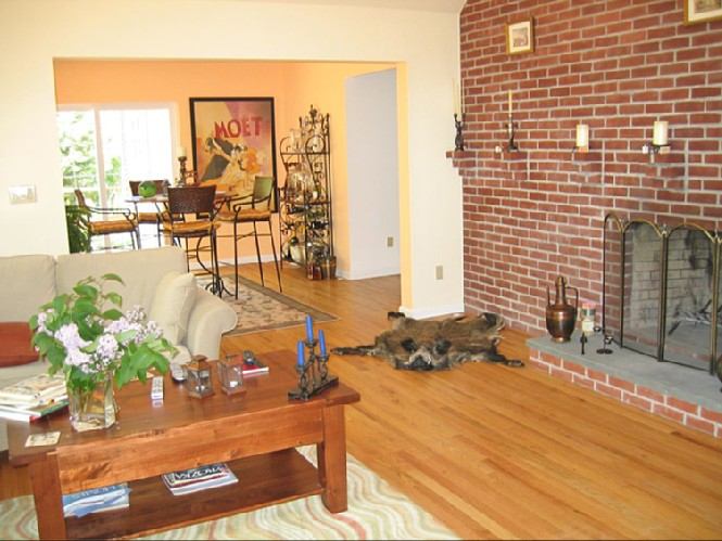 Additional photo for property listing at Stylish Contemporary  Sag Harbor, New York