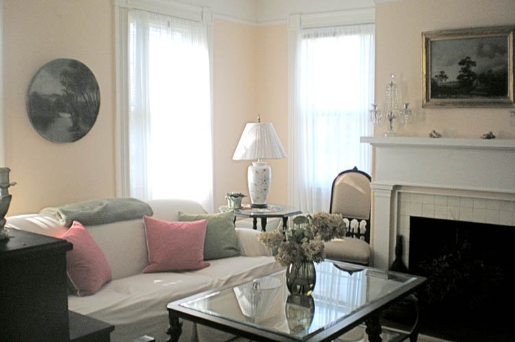 Additional photo for property listing at 1800's Greek Revival Bridgehampton Village  汉普顿, 纽约州