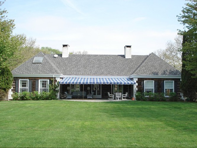 Additional photo for property listing at Exclusive Cobb Isle Road In Water Mill  Water Mill, New York