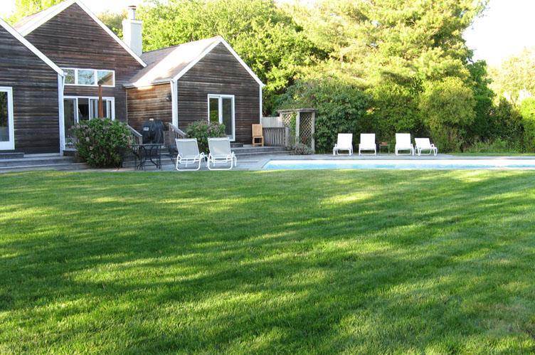 Additional photo for property listing at Charming And Convenient  Bridgehampton, Nueva York