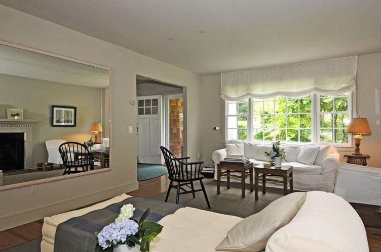 Additional photo for property listing at Glorious Sag Harbor Waterfront  Sag Harbor, Nueva York
