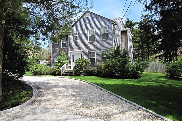 Casa Unifamiliar por un Alquiler en Country Lane By The Bay Beach Southampton, Nueva York