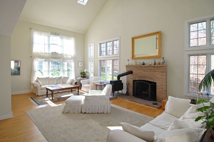 Additional photo for property listing at Year Round Views Of Gardiner's Bay  Amagansett, Nueva York