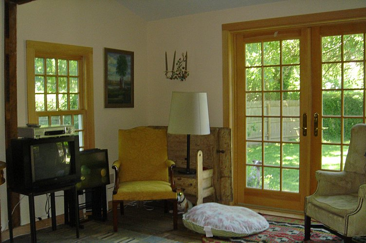 Additional photo for property listing at Sag Harbor Captains Row  Sag Harbor, New York