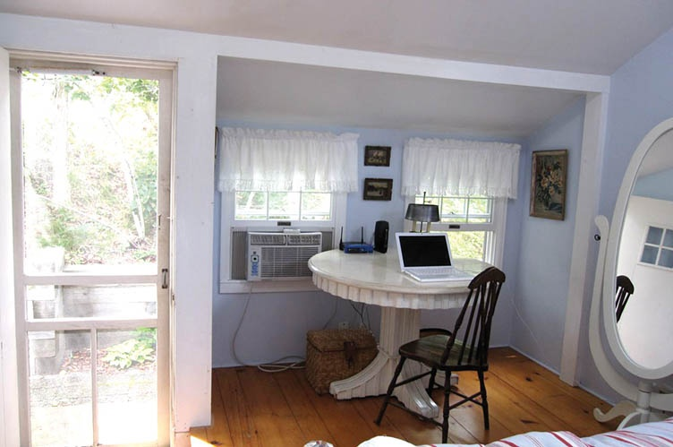 Additional photo for property listing at Beach Cottage In The Dunes  Amagansett, Nueva York