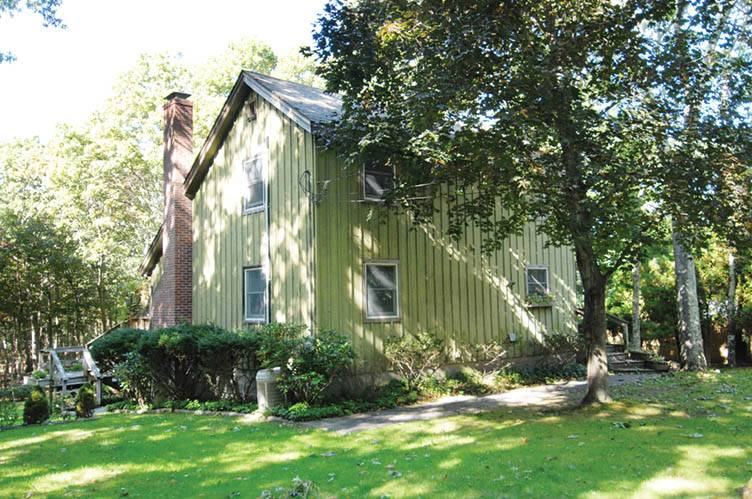 Additional photo for property listing at Sag Harbor Contemporary  Sag Harbor, Nueva York