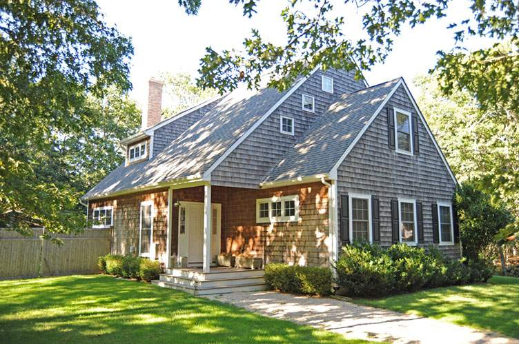 Casa Unifamiliar por un Alquiler en Bridgehampton Cottage Convenient To Town And Ocean Bridgehampton, Nueva York