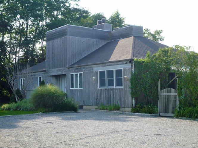 Casa Unifamiliar por un Alquiler en Village Rental Southampton, Nueva York