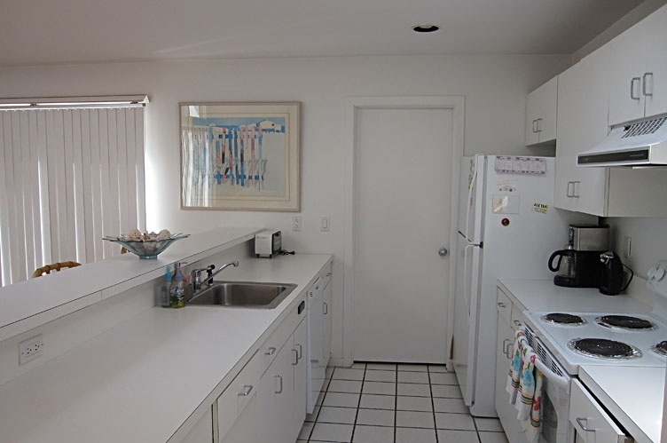 Additional photo for property listing at Spacious Contemporary  Quogue, Nueva York