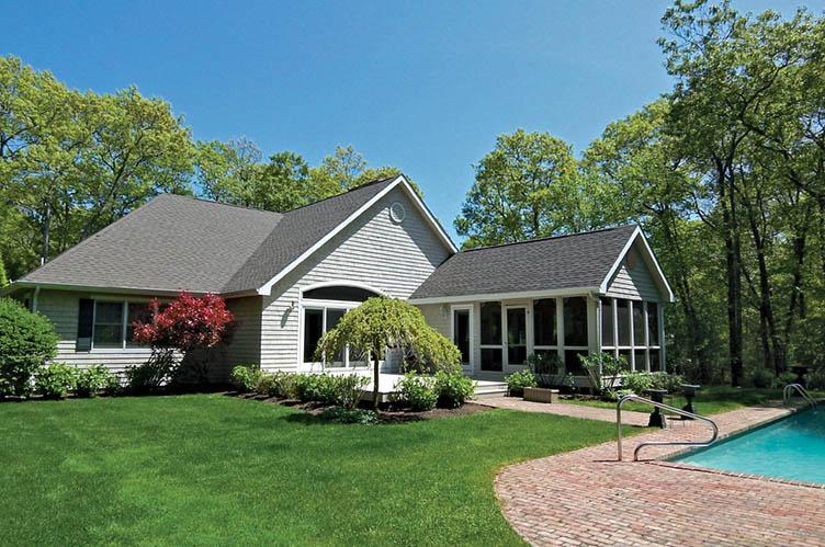Casa Unifamiliar por un Alquiler en Post Modern East Hampton, Nueva York