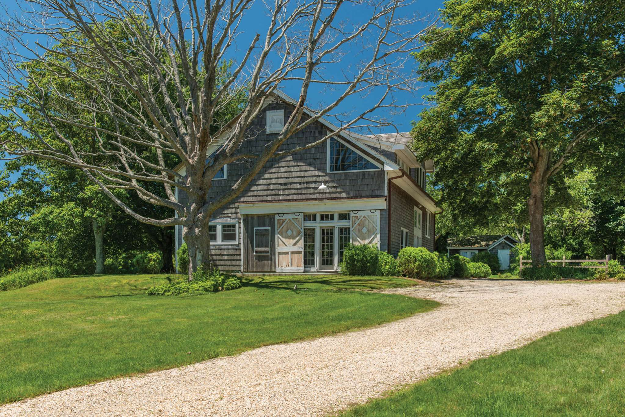 Additional photo for property listing at Country Summer In Historic Bridgehampton 426 Ocean Road,  汉普顿, 纽约州