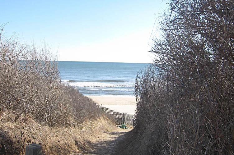 Additional photo for property listing at The Perfect Montauk Beach House  Montauk, Nueva York