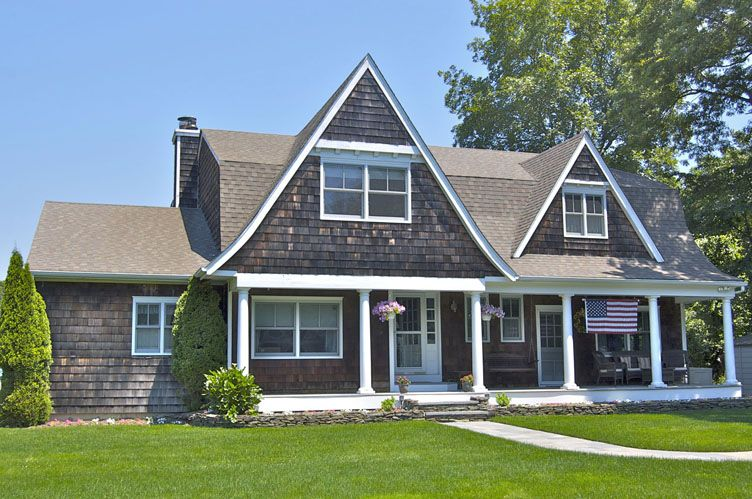 Additional photo for property listing at Village Vicinity  East Hampton, New York