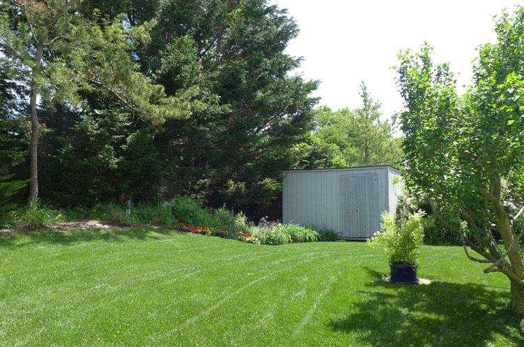 Additional photo for property listing at Short Distance To The Ocean  Amagansett, Nueva York