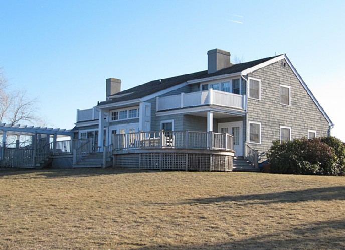 Additional photo for property listing at Pond Front Traditional  Sagaponack, Nueva York