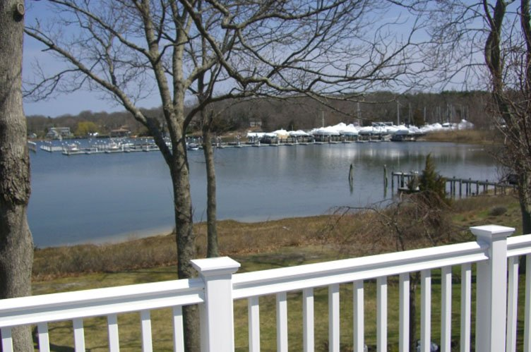 Additional photo for property listing at Spend Your Vacation On The Water  Sag Harbor, New York