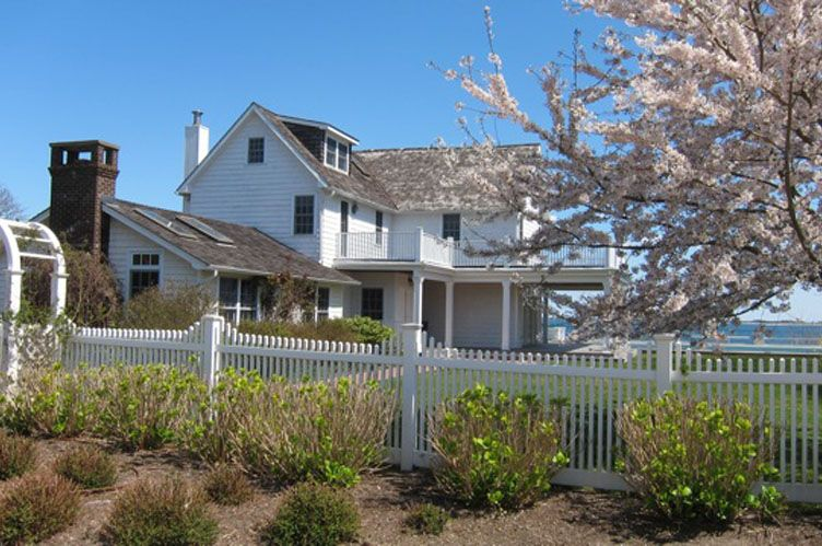 Additional photo for property listing at Shinnecock Waterfront  Hampton Bays, Nueva York