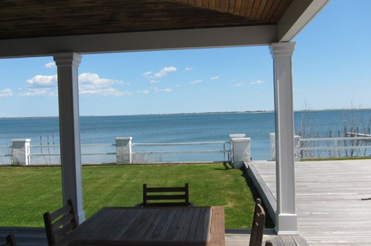 Additional photo for property listing at Shinnecock Waterfront  Hampton Bays, New York