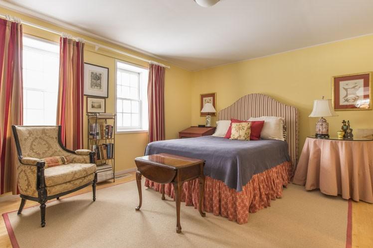 Additional photo for property listing at Bridgehampton Renovated Barn  汉普顿, 纽约州