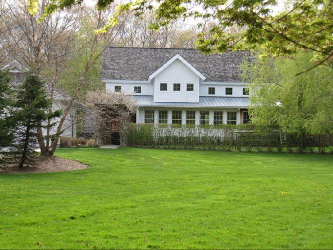 Casa Unifamiliar por un Alquiler en Sagaponack Privacy With Pool And Tennis Sagaponack, Nueva York